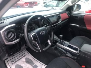2017 toyota Tacoma Pick up Interior